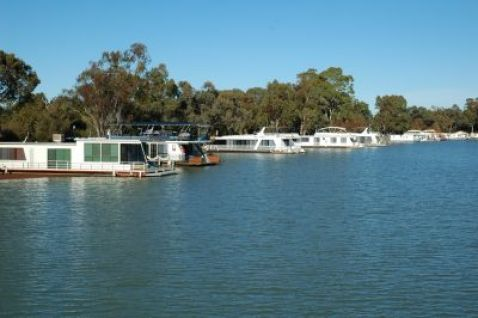 R Murray dev houseboats